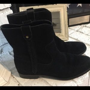 Bass suede Cindy boots size 7